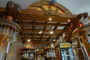 Кафе Традиции - интерьер под старину